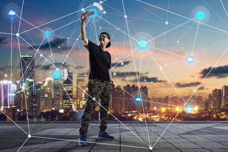 도시 풍경 및 네트워크 연결 개념 이미지