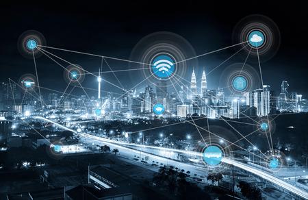 스마트 도시 및 무선 통신 네트워크, 추상적 인 이미지 비주얼, 사물의 인터넷, 모노 블루 톤.