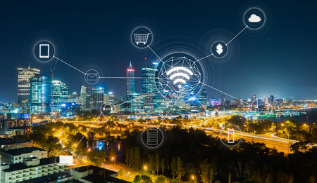 Cityscape and network mobile payments, online shopping ,icon customer network connection concept. Foto de archivo