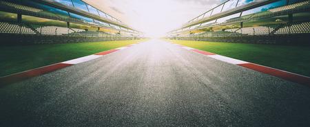 Vue du vide asphalte piste de course internationale de l'infini, imagerie numérique recompositions montage fond. scène du soir. Banque d'images - 70721533