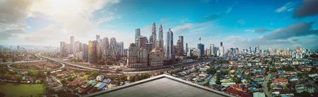Open space balcony with Kuala Lumpur cityscape skyline view  . Foto de archivo