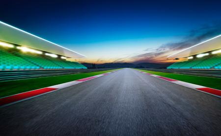 View of the infinity empty asphalt international race track .Night scene . Stockfoto