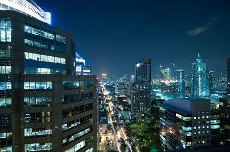 Aerial view of Bangkok modern business building at night . 版權商用圖片