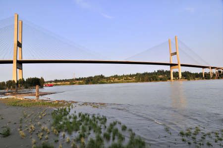 ebb: Fraser River na ebb