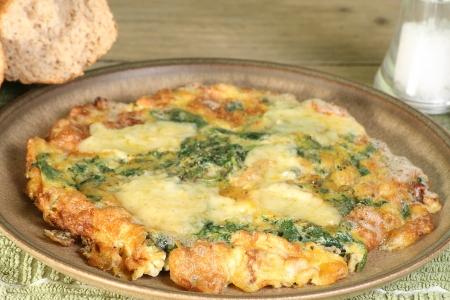 시금치와 블루 치즈 fritata omelettte