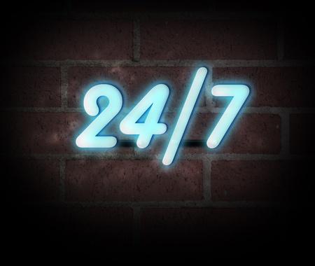 """Enseigne au néon bleu sur un mur de briques avec le message """"24/7""""."""