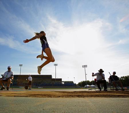salto de longitud: Jillian Drouin compite en salto de longitud de la mujer en el Canadian Pista Campeonato de Campo 28 de junio 2014 en Moncton, Canadá.