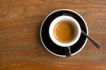 Black coffee on a wooden table Zdjęcie Seryjne
