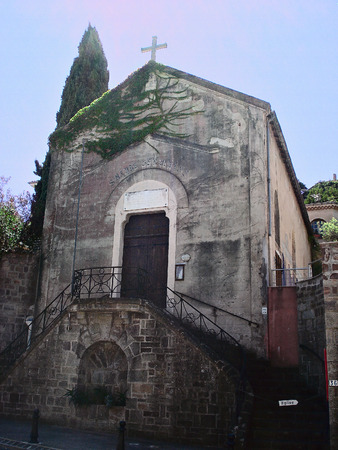 commune: In this photo you can see a facade of the small church located in a commune Theoule-sur-Mer