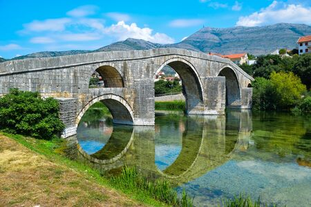 Arslanagic Bridge. View on Trebinje River. Bosnia and Herzegovina. 写真素材 - 134774706
