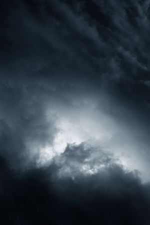 precipitacion: Cerca de las nubes de lluvia de fondo Foto de archivo