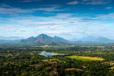 Sri Lankaans landschap - uitzicht op Sigiriya-rots, Sri Lanka,