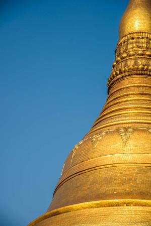 Gouden de tempelpagode van Shwedagon