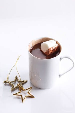 hot chocolate drink: hot chocolate drink in white mug on white background