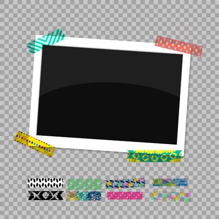Rechthoekige fotolijst. Foto geplakt op gekleurd plakband. Vector illustratie EPS 10.