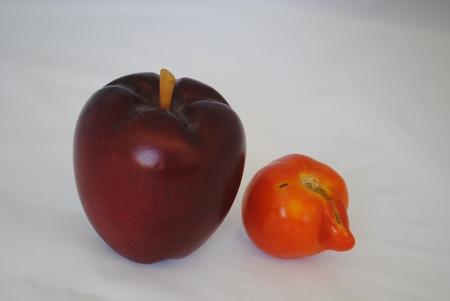 Apple and odd tomato