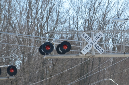 Rail road crossing safety lights