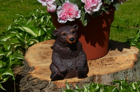 Bear on a stump decoration