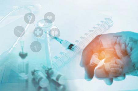 医療聴診器、薬、ワクチン、注射器、医療概念を購入