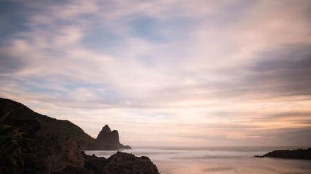 Long exposure image of Anawhata beach, Waitakere, Auckland Imagens