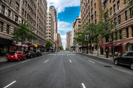 Miasto Nowy Jork Manhattan pusta ulica przy środkiem miasta przy słonecznym dniem Zdjęcie Seryjne