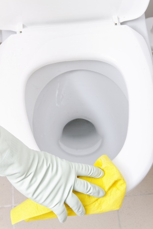 dirty room: Hand cleaning WC.