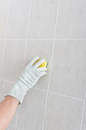 Nettoyage des mains mur.