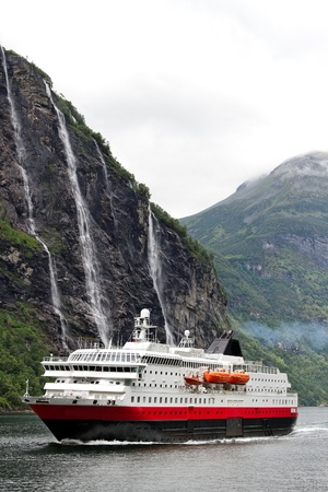 Ship in norwegian fjord. 版權商用圖片