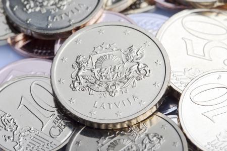 Frais pi�ces en euros letton.
