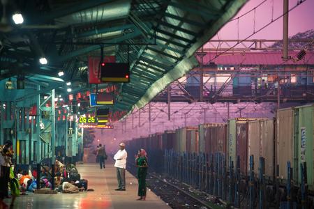 Treinstation. India, Uttar Pradesh, Varanasi. Stockfoto - 48687077