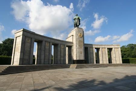 liberation: Berlin: Soviet liberation monument in Tiergarten