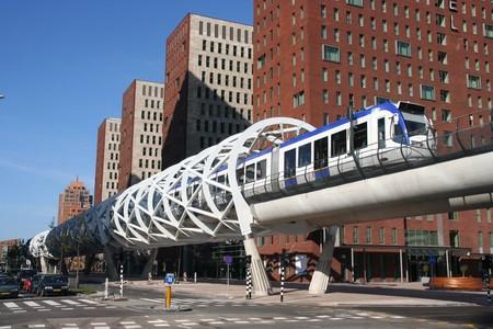 Nieuw gebouwde snelheid trambaan in Den Haag, Holland