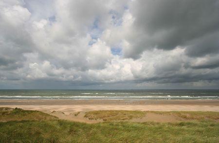 approaches: Storm approaches the Dutch shore