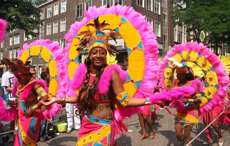ROTTERDAM - SUMMER CARNIVAL, JULY 26, 2008. Carnival dancers in the parade at the Caribbean Carnival in Rotterdam. 報道画像