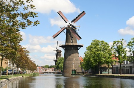 schiedam: Large Dutch early Industrial Revolution windmill in Schiedam, Holland