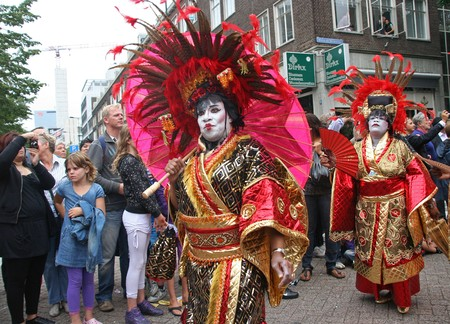 ROTTERDAM, HOLLAND - JULY 31, 2010: People in Japanese dress at the parade of the annual Summer Carnival in Rotterdam on July 31, 2010 in Rotterdam, Holland Stock Photo - 7525690