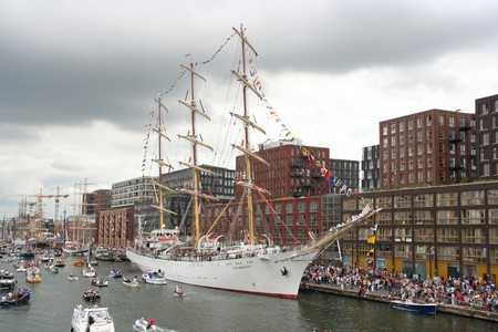AMSTERDAM, AUGUST 19, 2010: Polish tall ship Dar Mlodziezy at Sail 2010 in Amsterdam, Holland on august 19, 2010 Stock Photo - 7659982