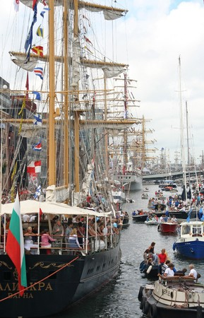 AMSTERDAM, AUGUST 19, 2010: Tall ships along the quay at Sail 2010 in Amsterdam, Holland on august 19, 2010 Stock Photo - 7659979