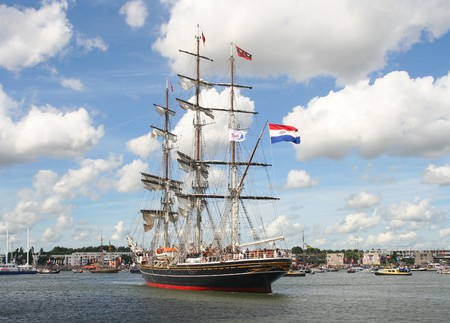 AMSTERDAM, AUGUST 19, 2010: Tall ship 'Stad Amsterdam' at Sail 2010 in Amsterdam, Holland on august 19, 2010 Stock Photo - 7659966