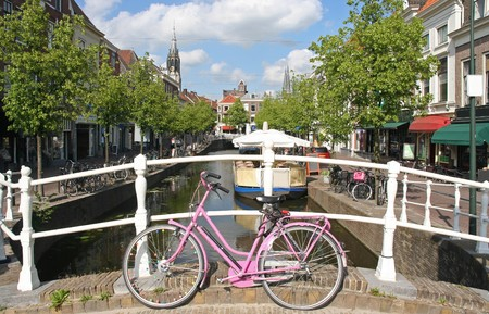 Pink bicycle in Delft, Holland Stock Photo - 7878399