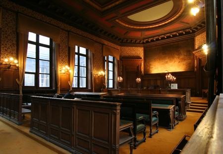 Salle de la Cour dans le palais de Justice de Bruxelles, avec un avocat de préparation de sa cause. Photo prise le 27 octobre 2006 à Bruxelles (Belgique). Éditoriale