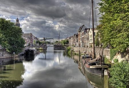 Canal in Delfshaven in het oude gedeelte van Rotterdam