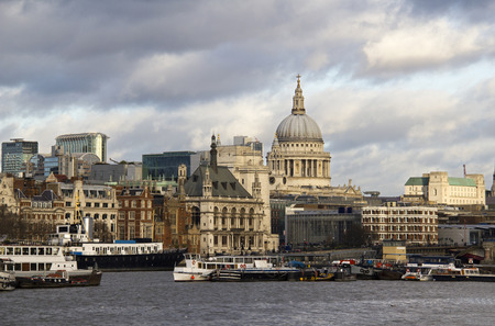 st pauls: St Pauls cathedral and office buildings across the Thames in the City in London, UK