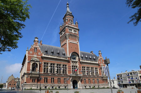 The town hall of Dunkirk and its belfry in France 스톡 콘텐츠