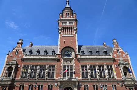 The town hall of Dunkirk and its belfry in France 에디토리얼