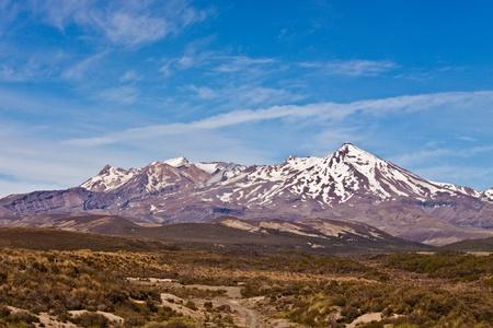 tramping: Monte Ruapehu el punto m�s alto en la isla Norte, Parque Nacional de Tongario, en Nueva Zelanda.