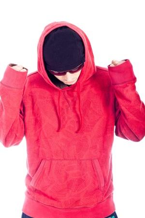 hoody: Хип-хоп танцор в красном толстовка, создавая на белом фоне.