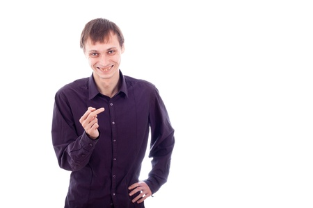 weerzinwekkend: Gelukkig lelijke nerd man gebaren, geïsoleerd op een witte achtergrond.