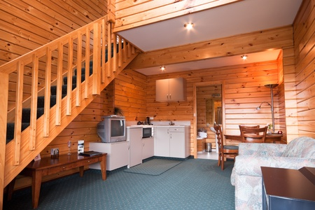 blockh�tte: Lodge Apartment Holzinterieur. Fox Glacier Lodge, Fox Glacier, West Coast, South Island, Neuseeland.