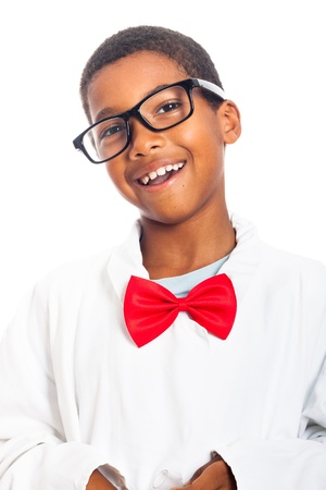 garcon africain: Portrait de garçon de l'école heureux intelligent, isolé sur fond blanc.